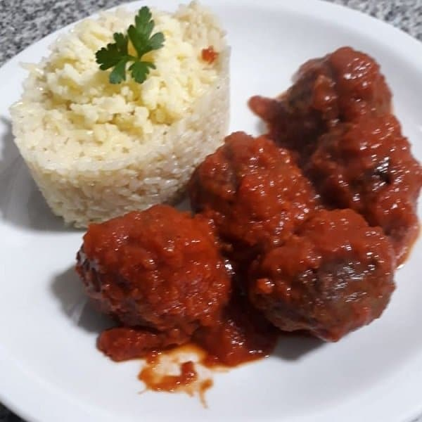 Albondigas-en-salsa